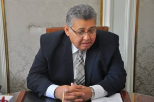 وزير التعليم العالي يضع حجر أساس كلية طب وجراحة الفم والأسنان بالزقازيق