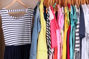 10 حيل بناتي لحل مشاكل الملابس اليومية